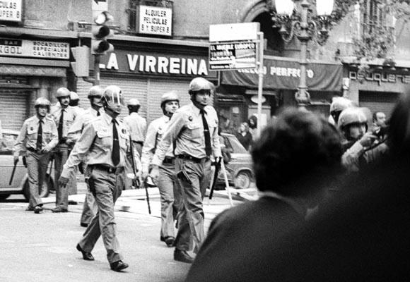 Orgullo de Las Ramblas 1977 cargas grises