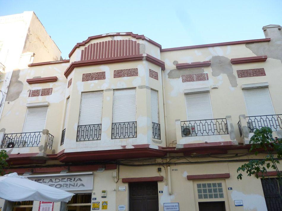 Casa de Pedro Fernández Batanero/Consejería Adjunta a la Presidencia (calle Justo Sancho Miñano, 2)