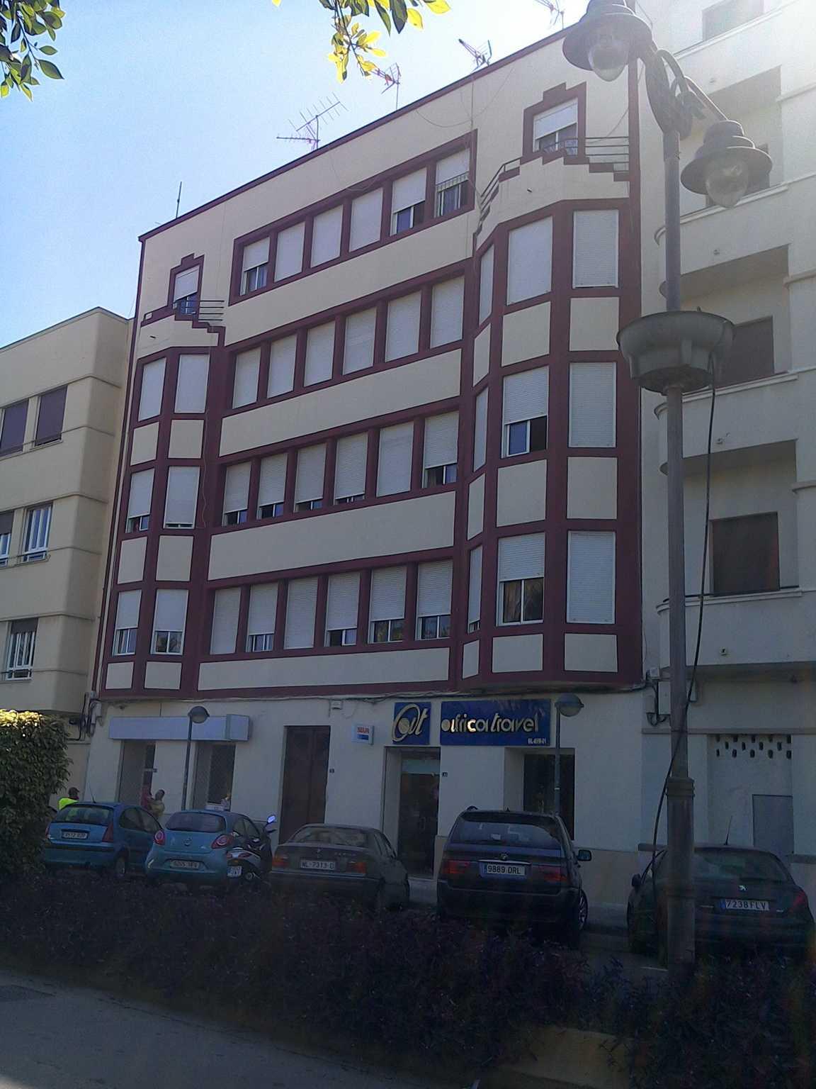 Casa de Abraham Benatar (avenida de la Democracia, 11)