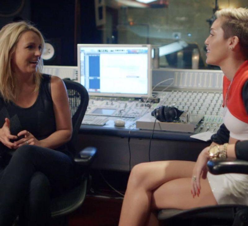 SMS Bangerz, dúo entre Miley Cyrus y Britney Spears