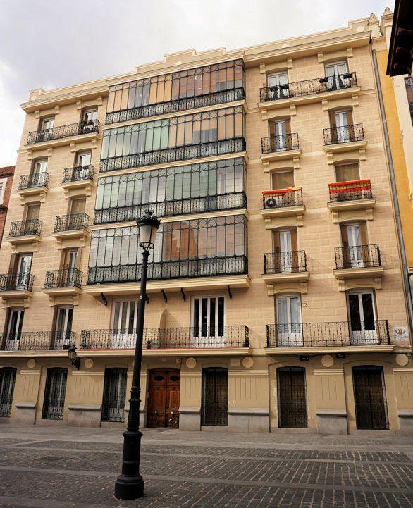 Viviendas para Zoilo de Castro I (plaza Conde de Barajas, 6)