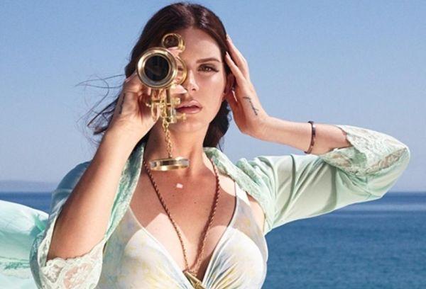 Lana del Rey en High By The Beach