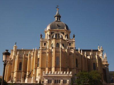 La Almudena, una de las 5 catedrales de Madrid
