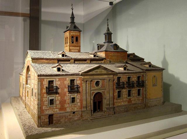 Catedrales de Madrid: primera Iglesia de la Almudena