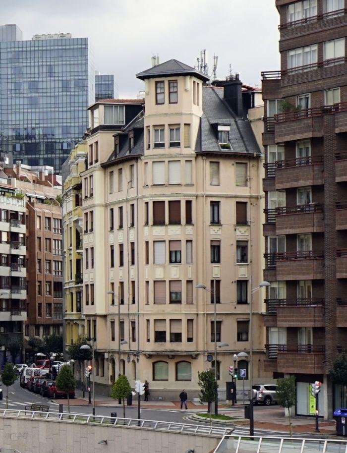 Alameda de Mazarredo 43,e squina con Heros, Bilbao Art Decó