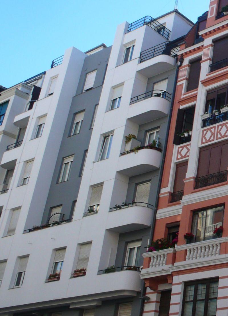 Alameda de Recalde 55 Bilbao Streamline Moderne