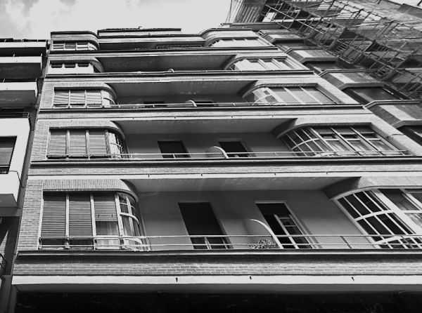 Colón de Larreategui, 48, Bilbao Art Decó racionalista