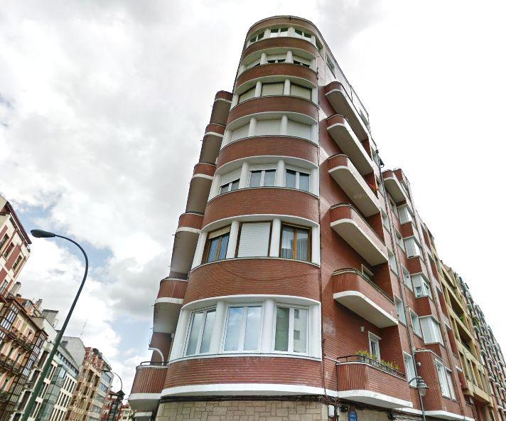 Gordóniz, 47, Bilbao Streamline Moderne
