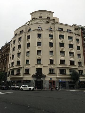 Henao, 1 (frente a Alameda de Mazarredo, 8)