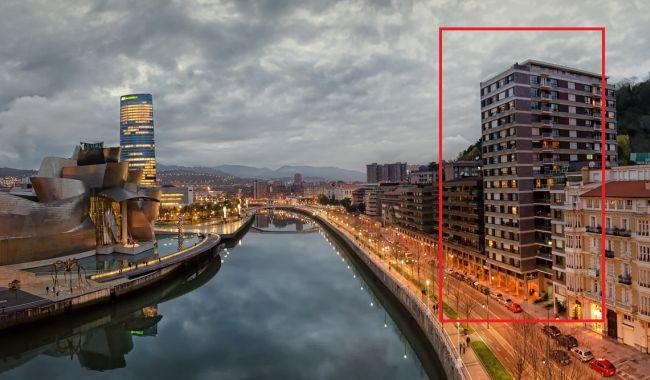 Rascacielos de Bilbao en la ría