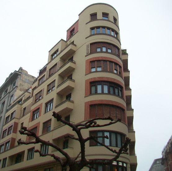 Rodríguez Arias, 12 y 10