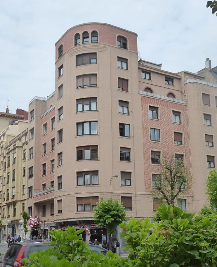 Sabino Arana 6, Bilbao Art Decó aerodinámico