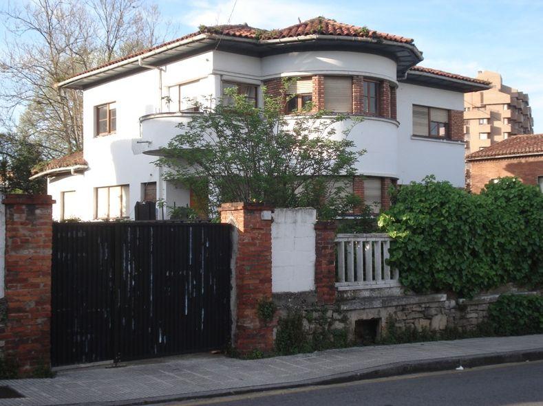 Calle Isabel La Católica 10 y Anselmo Solar 9 Gijón Art Decó