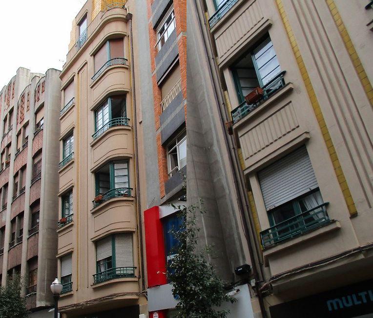 Calle Menéndez Valdés, 5