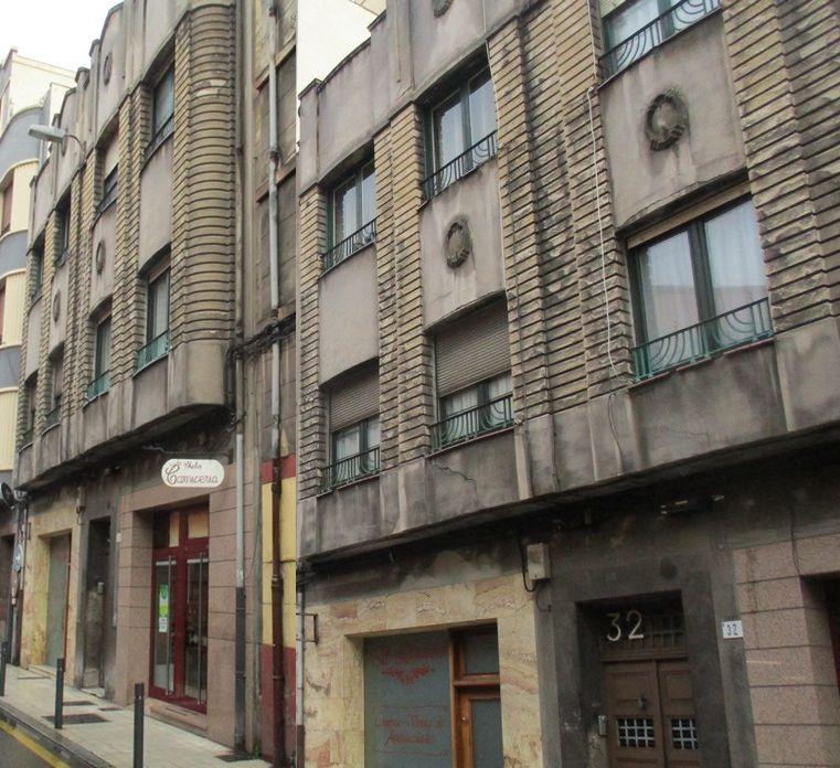 Numa Guilhou 32 es Art Decó de Gijón