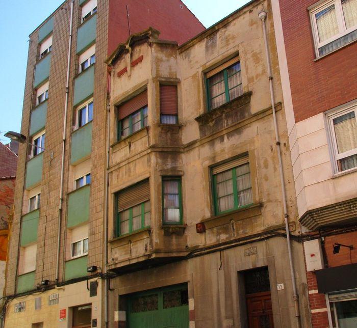 Zigzag Moderne en el Art Decó de Gijón en calle Profesor Miguel Ángel González Muñiz 13