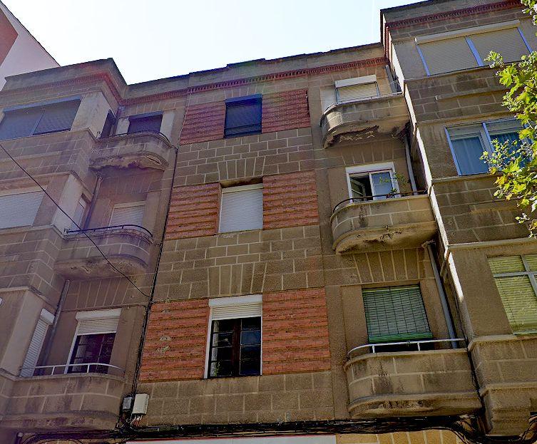 Avenida Víctor Gallego, 53