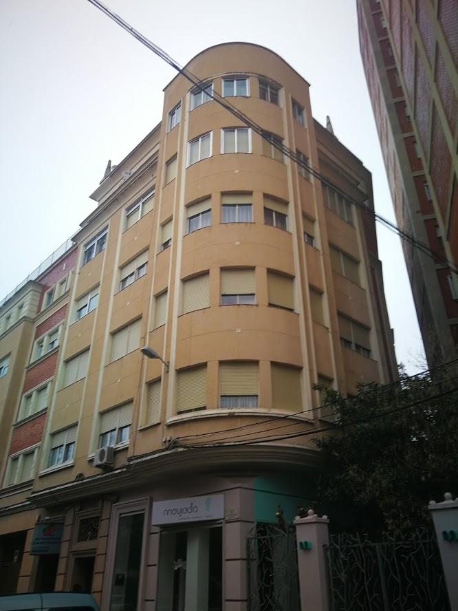 Calle Veterinario Reina, 2 y 4
