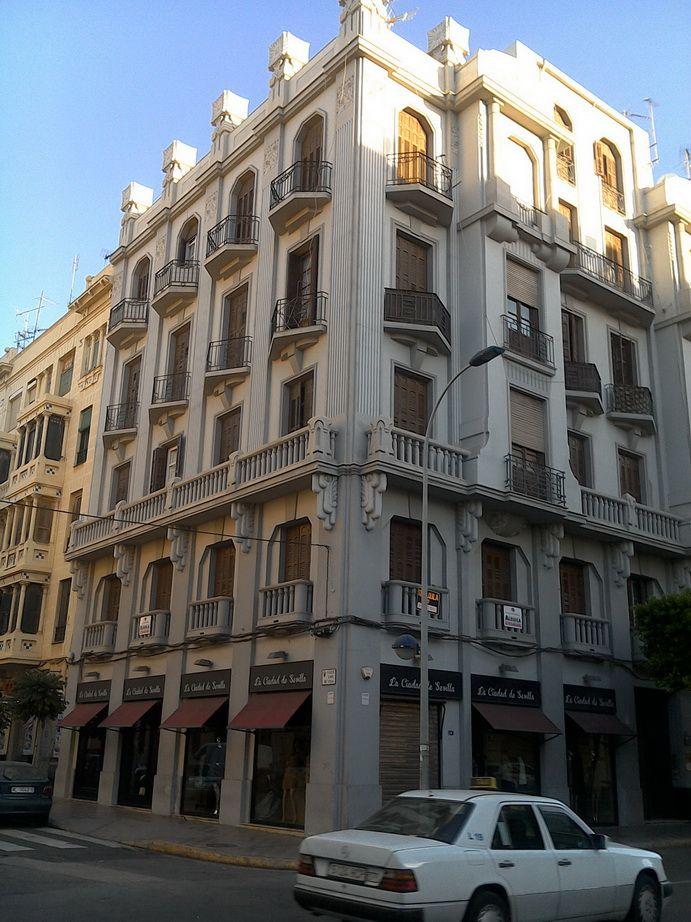 Casa de Enrique Nieto (avenida de Reyes Católicos, 4)
