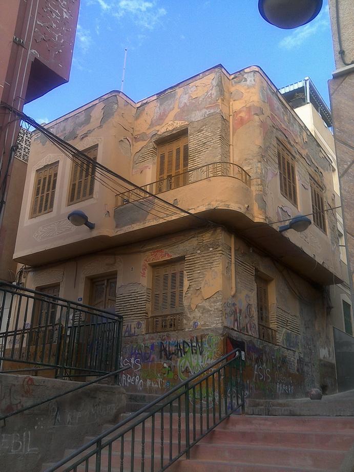 Calle Sagasta, 2