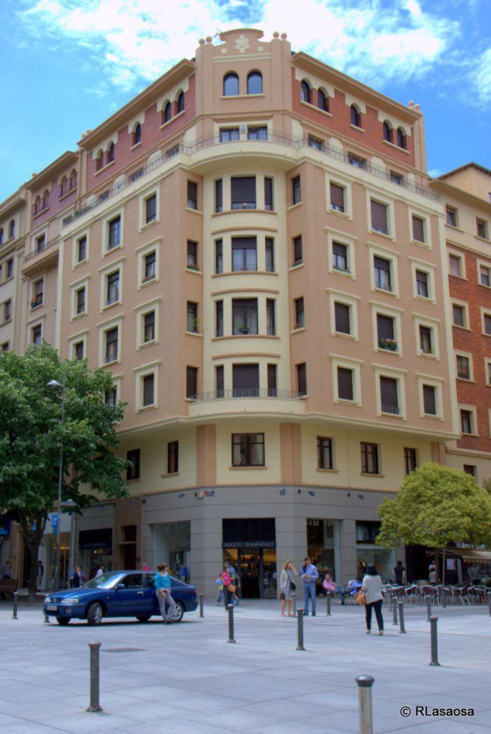 Avenida de Carlos III el Noble Etorbidea, 42