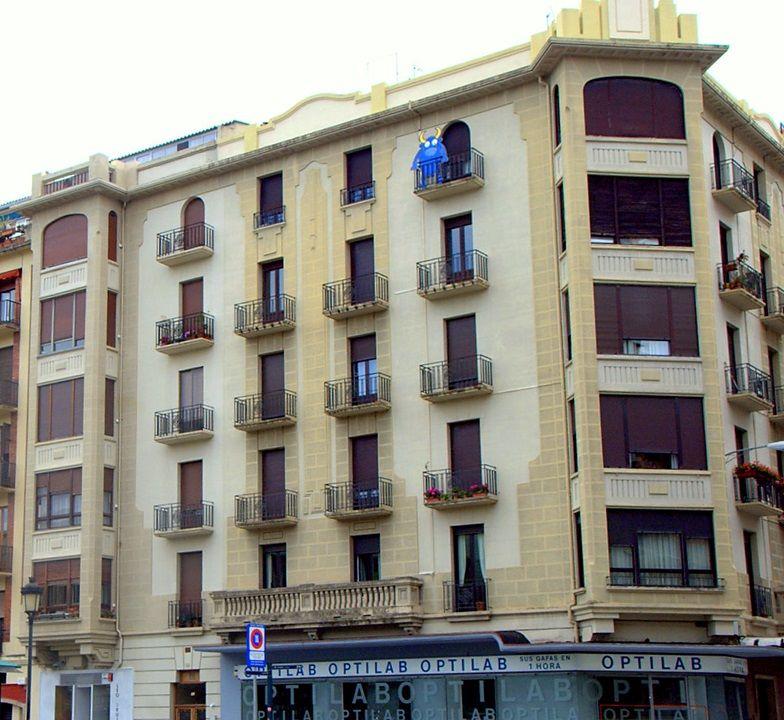Calle de Emilio Arrieta, 11 y calle Amaya, 1 y 3