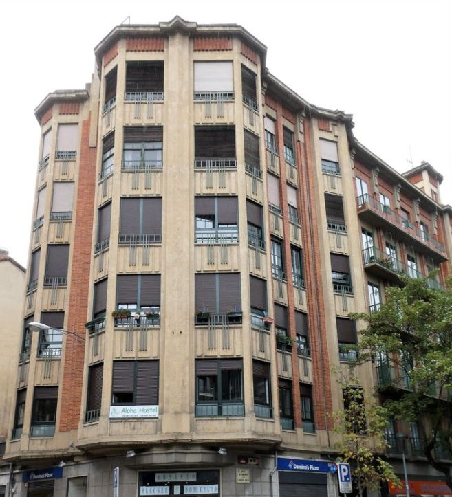 Edificio La Jaula Dorada, monumental Pamplona Art Decó