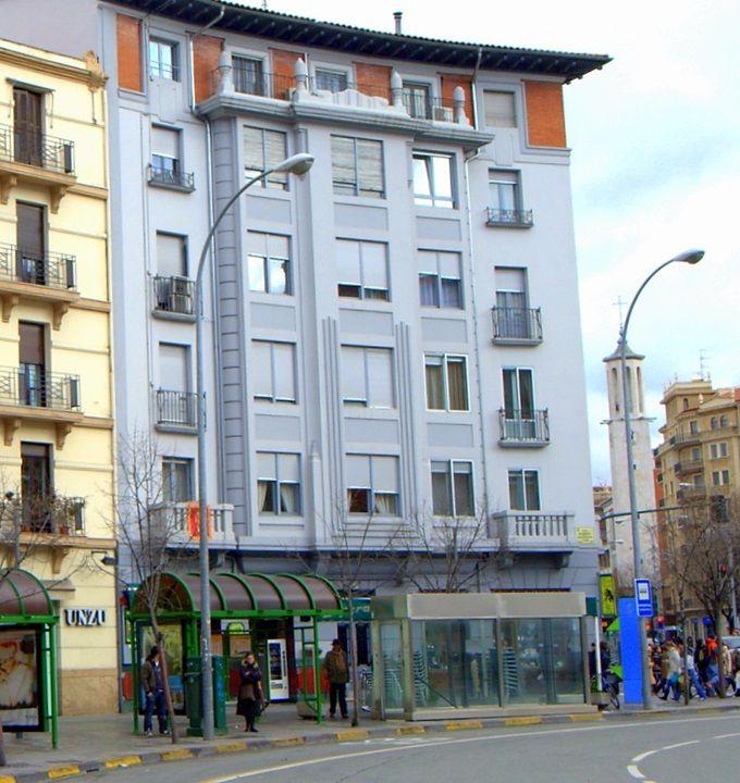 Plaza de las Merindades, 2