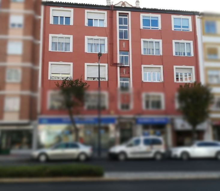 Avenida del Cid Campeador, 86