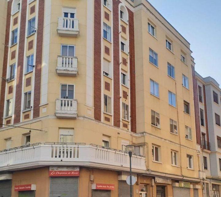 Burgos Art Decó en la calle Calle Diego Laínez 15