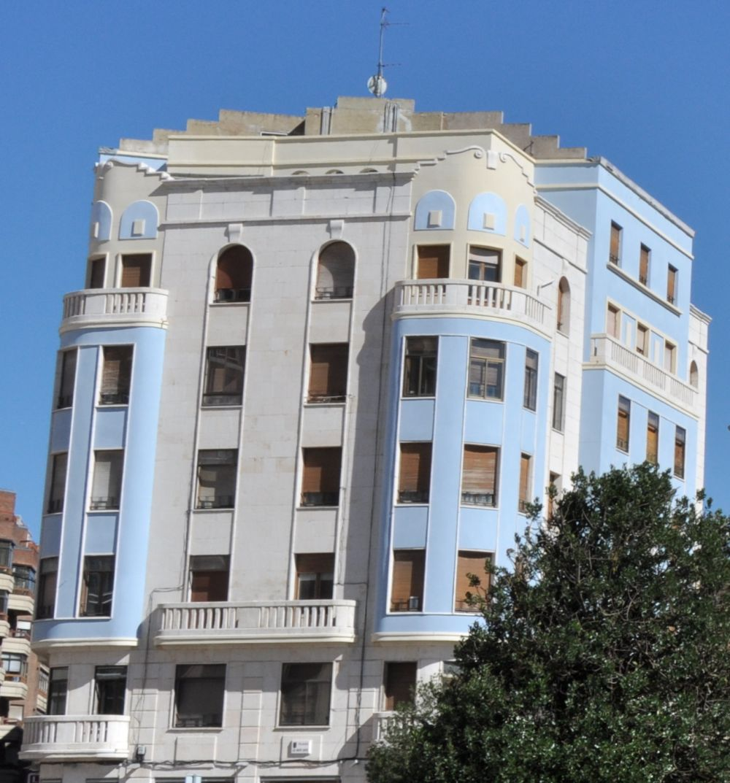 Calle Concepción 23, Zigzag y Streamline Moderne para el Burgos Art Decó