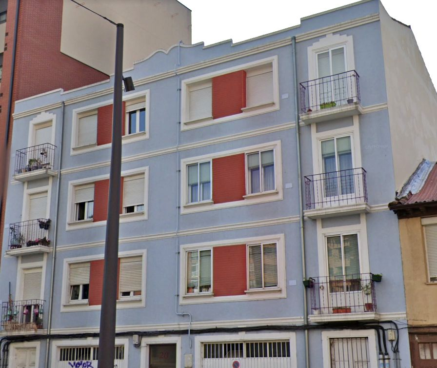 Calle Cortes, 20