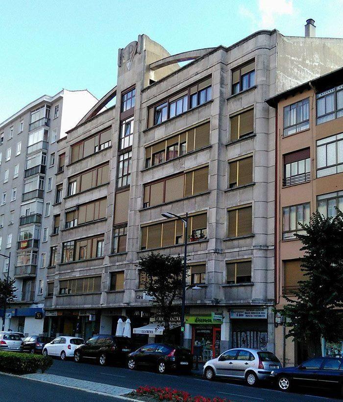 Edificio Plastimetal (avenida del Cid Campeador, 70)