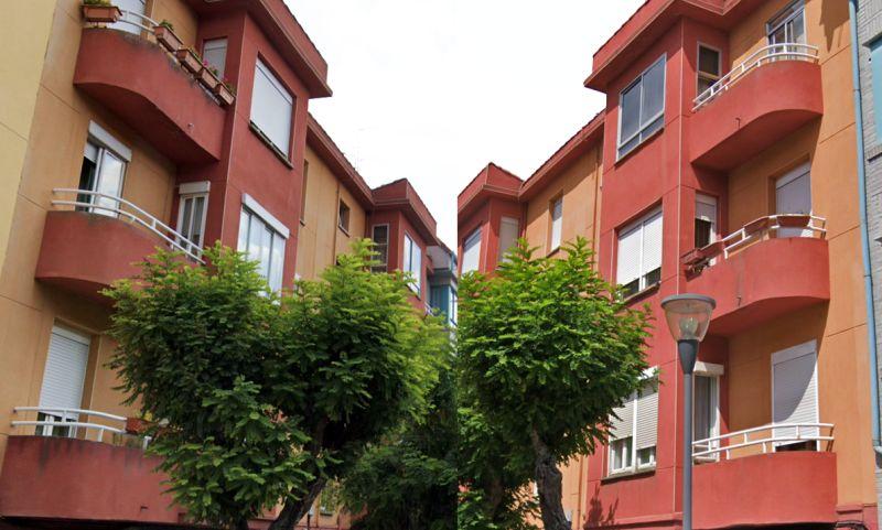Edificio simétrico en calle Padre Flórez 16 Burgos Art Decó