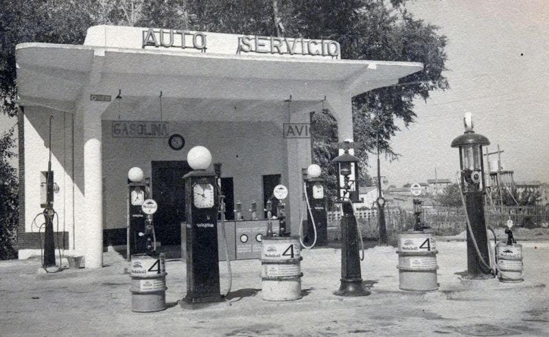 Gasolinera Art Decó en la calle Madrid de Burgos