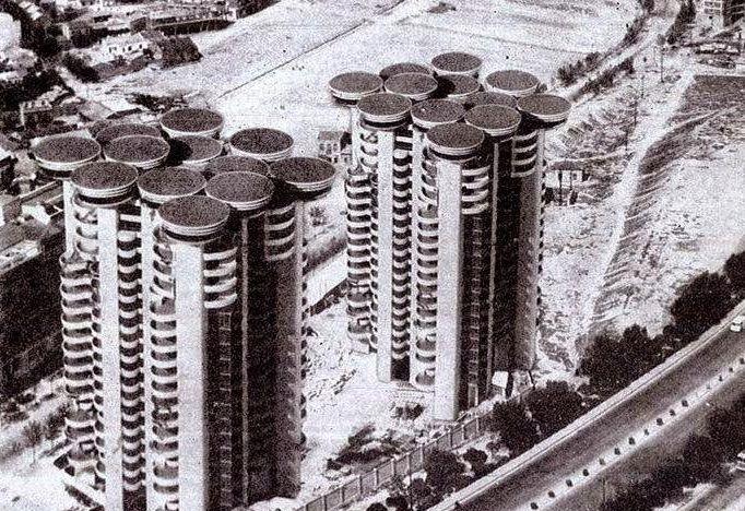 Torres Blancas rascacielos antiguos