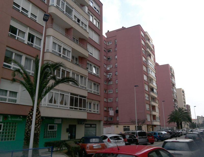 Calle Miguel Ángel (justo detrás de las torres a General Dávila)