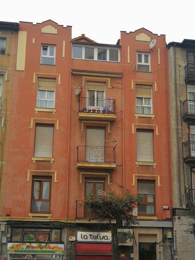 Calle Casimiro Sáinz, 11