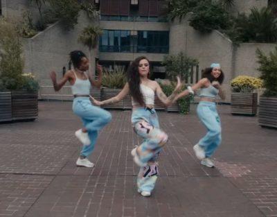 Brutalismo de Londres The Curve MIA Cher Lloyd