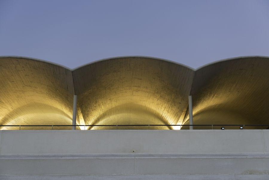 Estructura de doble curvatura en el Hipódromo de la Zarzuela
