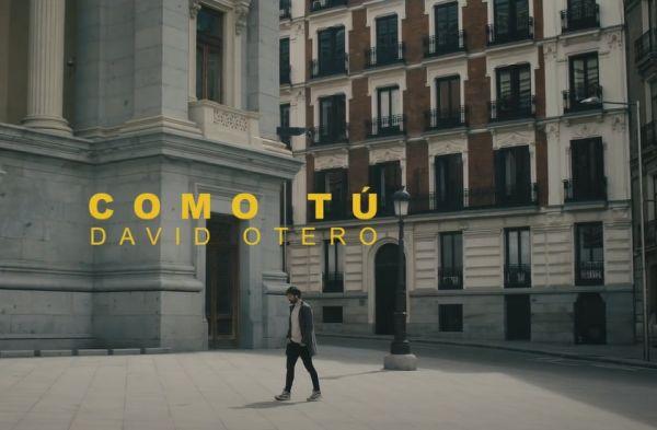 Calle Felipe IV Madrid en Como Tú de David Otero, 3 edificios iguales