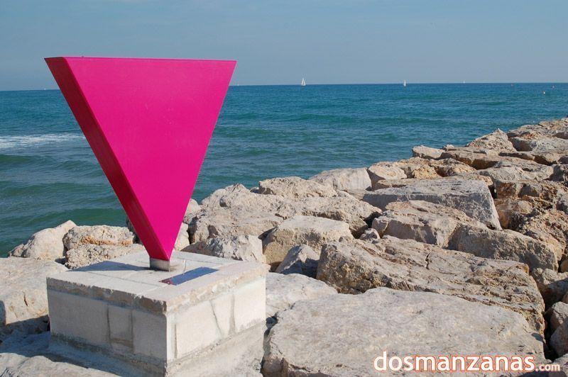 Escultura al colectivo homosexual de Sitges