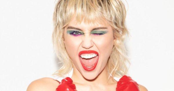 Crítica Plastic Hearts de Miley Cyrus