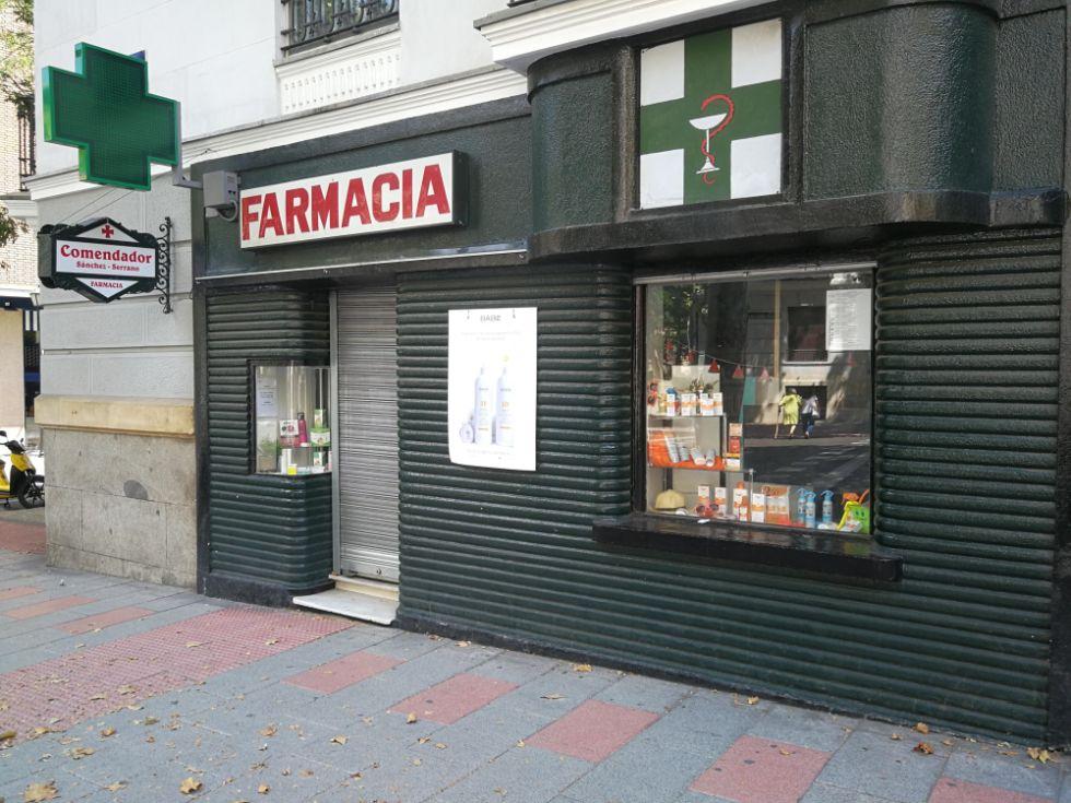 La farmacia María Carmen Comendador Sánchez Serrano, negocio del Madrid Art Decó