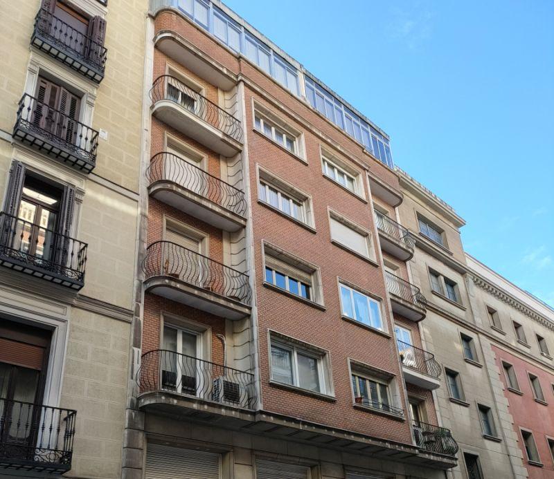 Streamline Moderne tardío en la calle Españoleto de Madrid