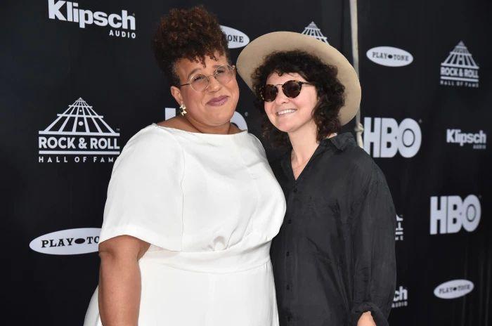 Artistas lesbianas visibles, Brittany Howard y Jesse Lafser en la alfombra roja