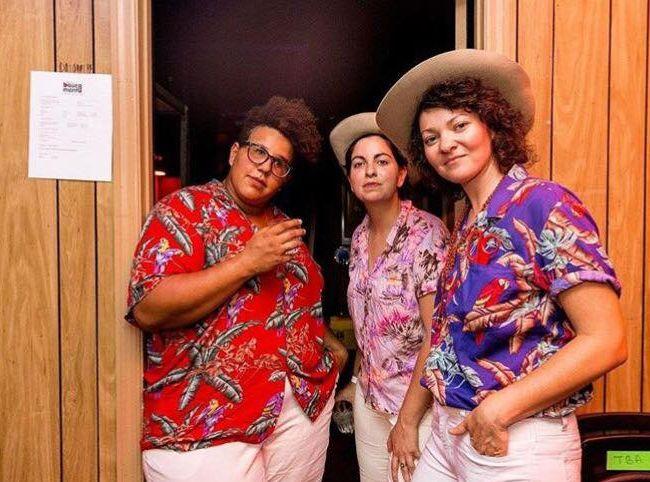 Bandas con artistas lesbianas Bermuda Triangle