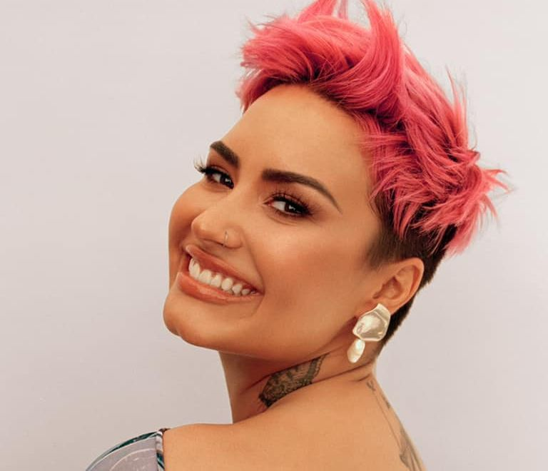 Dancing with the Devil… the Art of Starting Over de Demi Lovato y los complejos