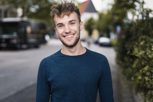 Artistas LGTBI en Eurovisión 2021 Jendrik Sigwart