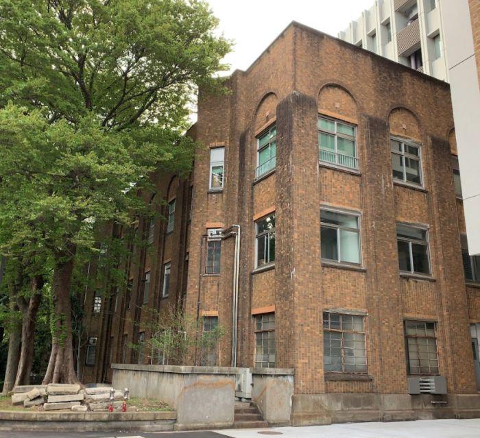 Edificio 1 de Investigación de la Escuela de Medicina